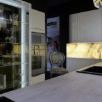 ekskluzywna kuchnia nolte z podświetlaną witryną