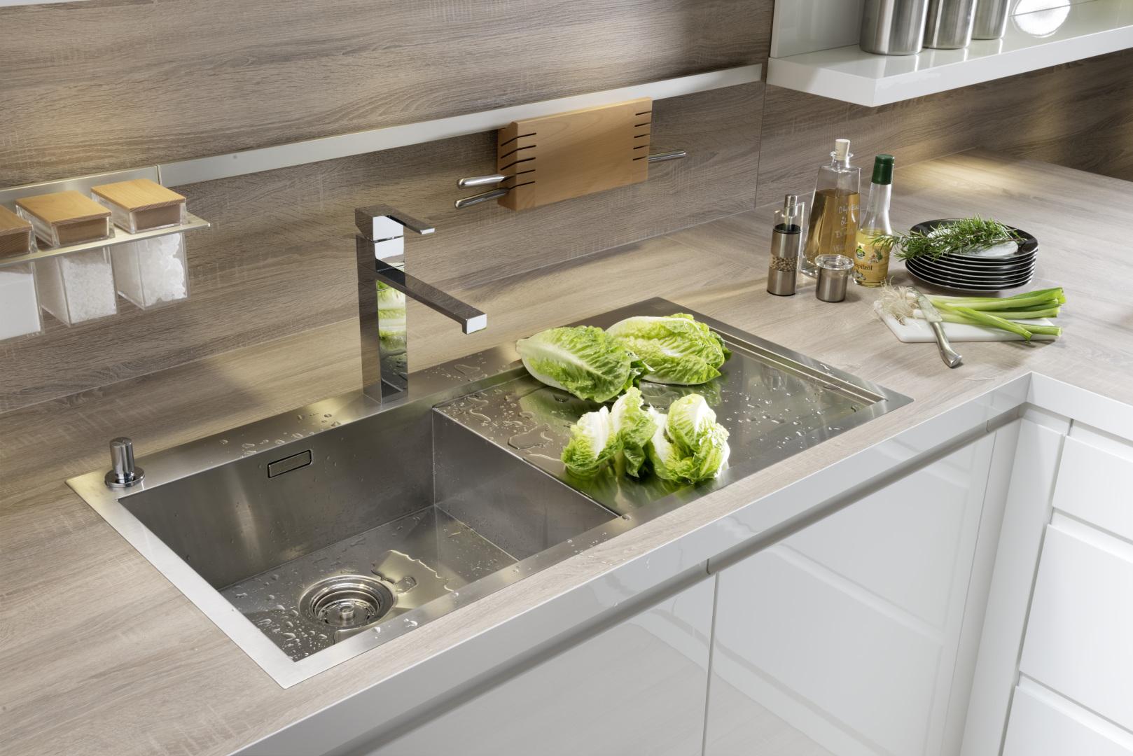 bezuchwytowa kuchnia alpha lack nolte kuchnia biały lakier połysk