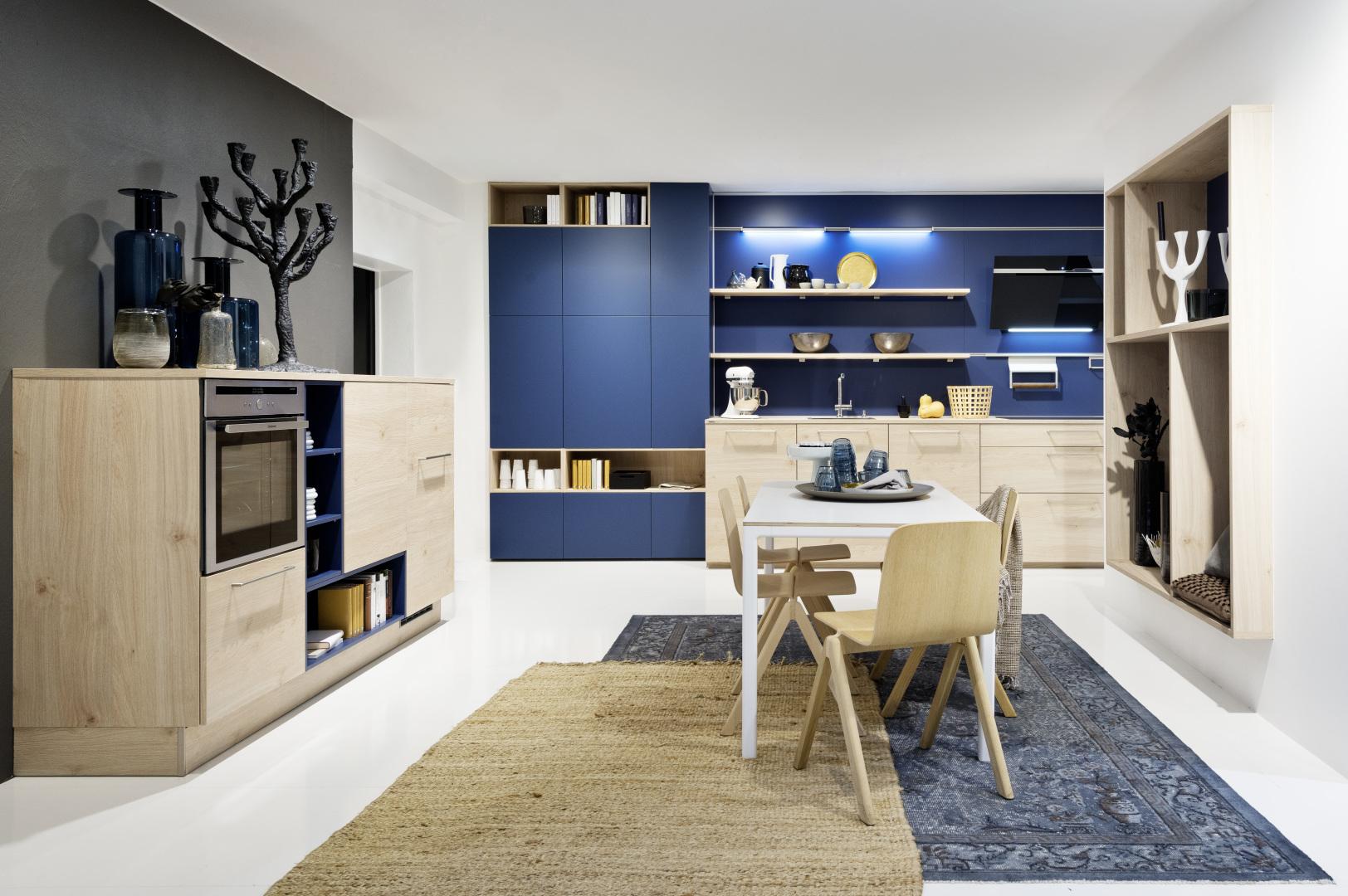 kuchnia nolte w ciepłych barwach i funkcjonalnej przestrzeni