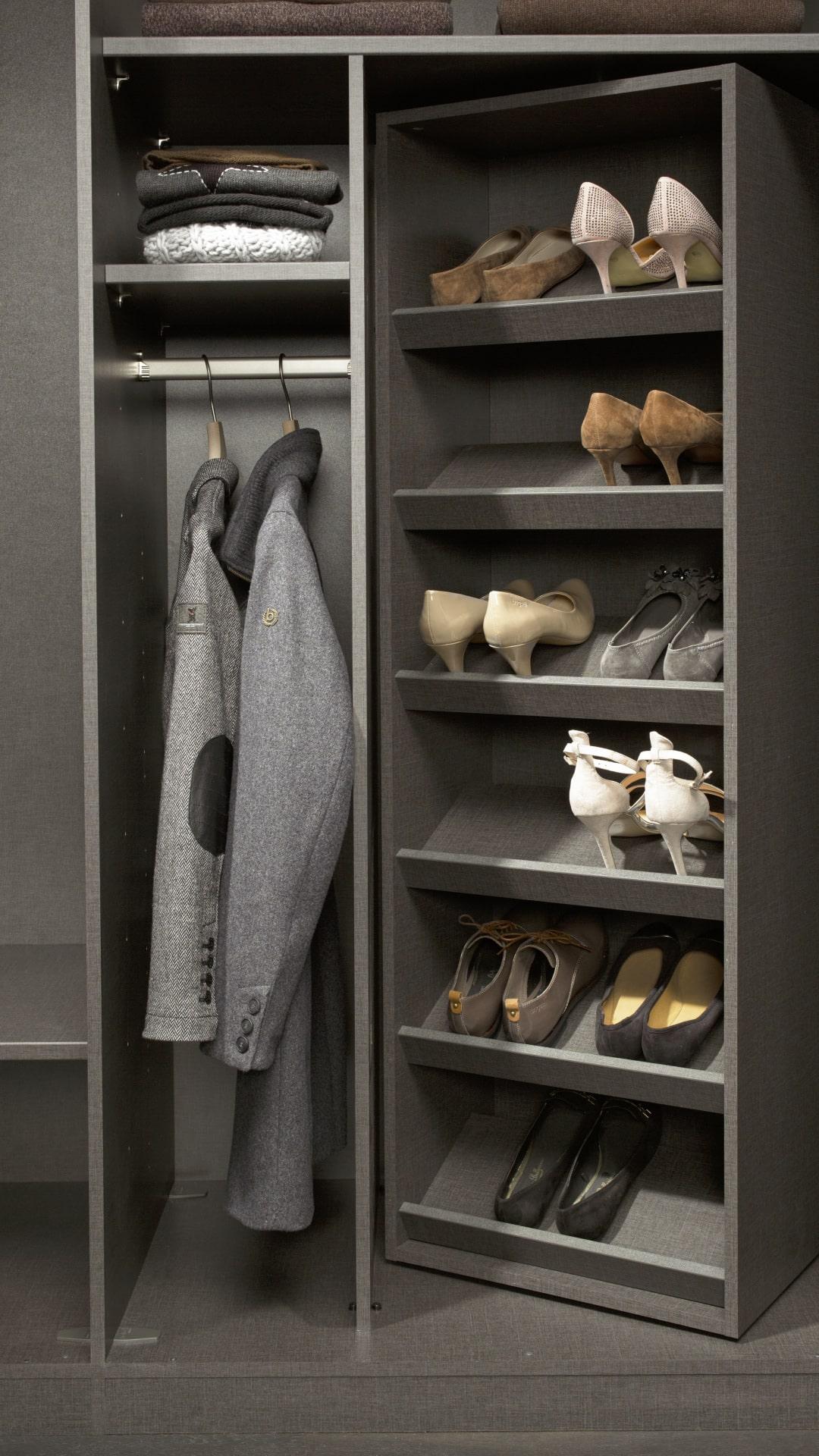 obrotowa półka na buty w szafach nolte