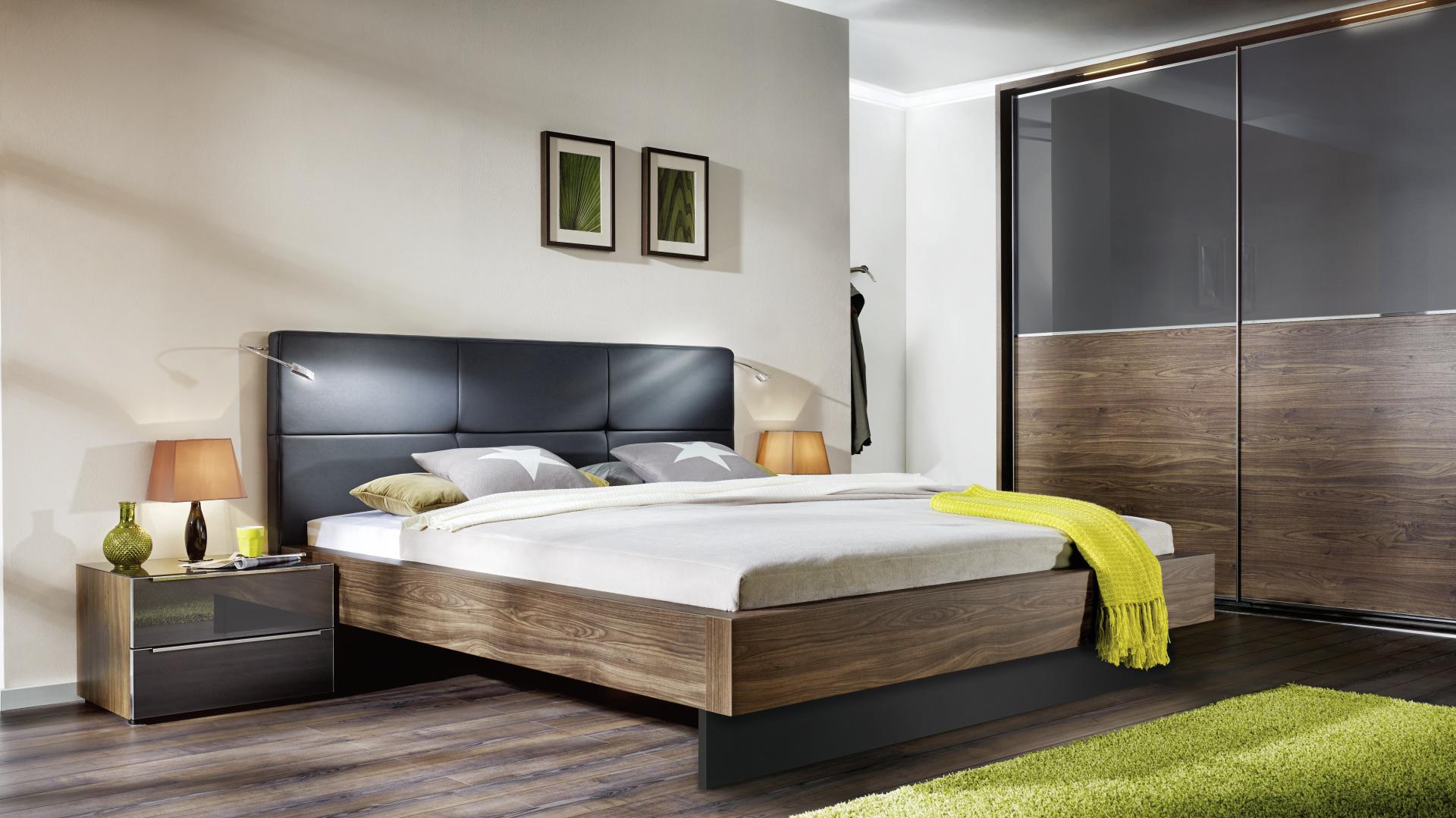 niemieckie łóżko i szafa wysokiej jakości