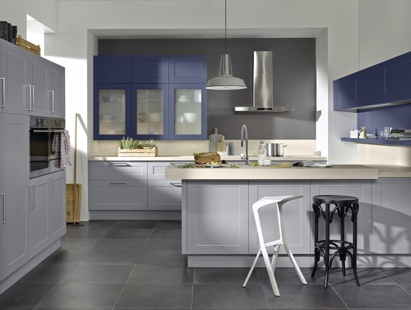 szaro-błękitna kuchnia z ramką nolte kuchen model frame lack