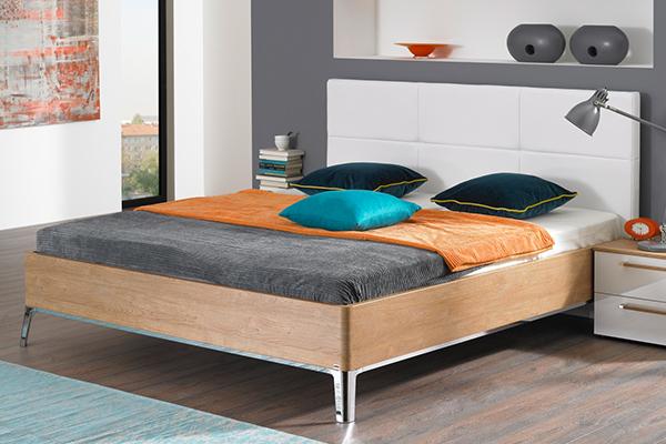 proste i nowoczesne łóżko