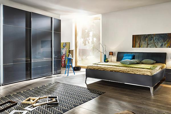 łóżko oraz szafa niemieckiego producenta