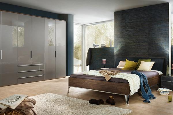 niemieckie łóżko w sypialni