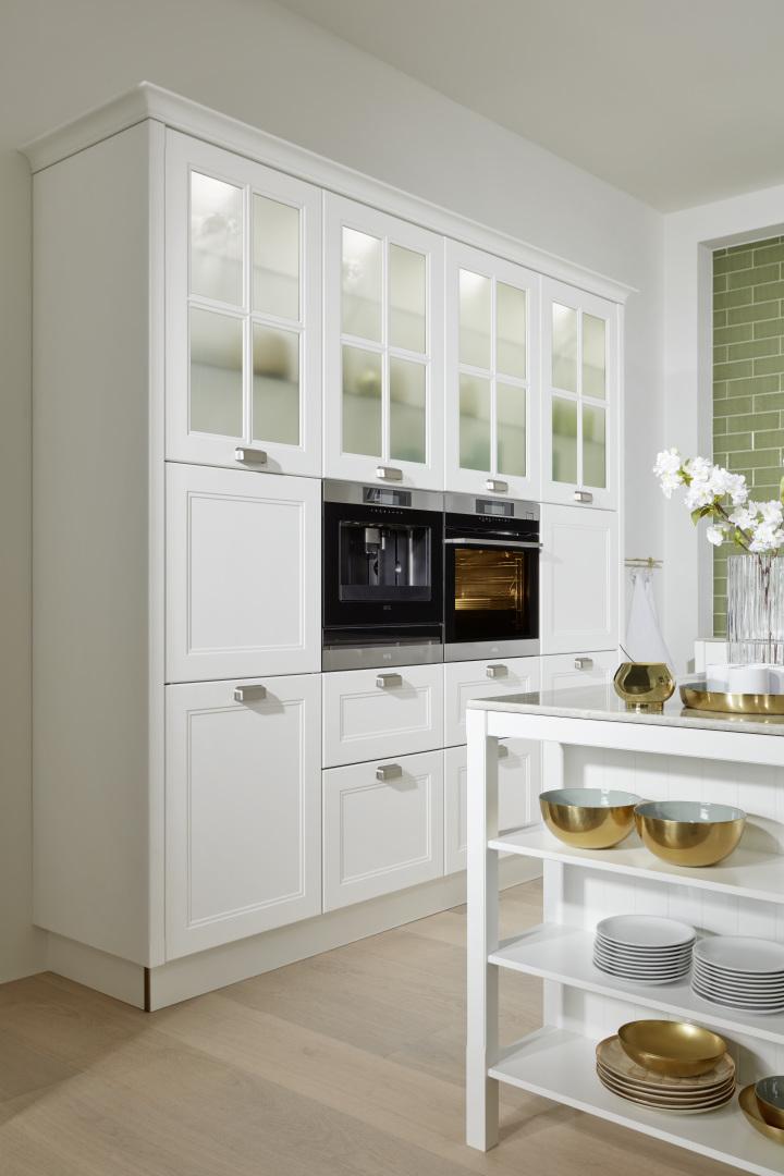 Białe matowe witryny kuchenne